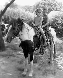 Suzy and Cecil Bridges