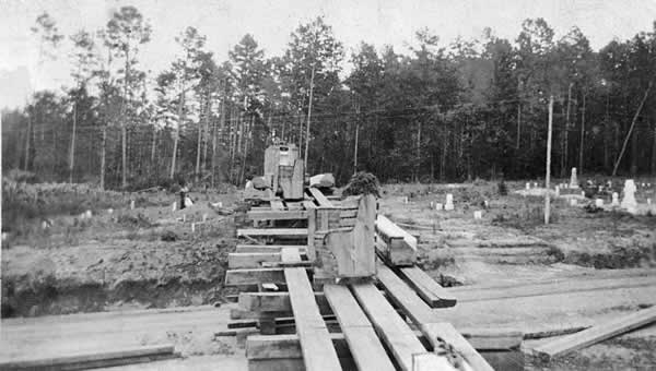 Another look at the sliding track made of lumber.