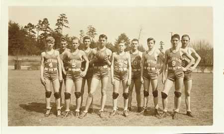 photo: boys basketball team