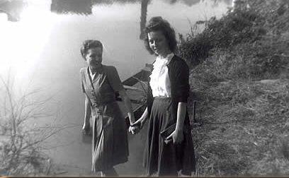 Mozelle Greene & Juanita Davis - Mid 1940s