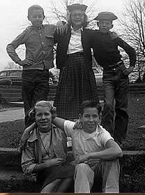 Johnny Haynes, Daisy Bailey, Buddy Ray Humphries, Rebecca Miller, Jimmy Hill